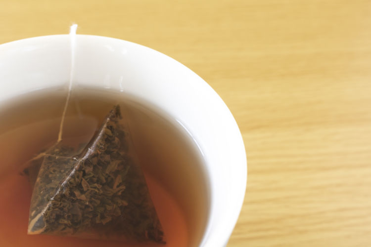 紅茶のティーバッグに含まれるカフェイン量