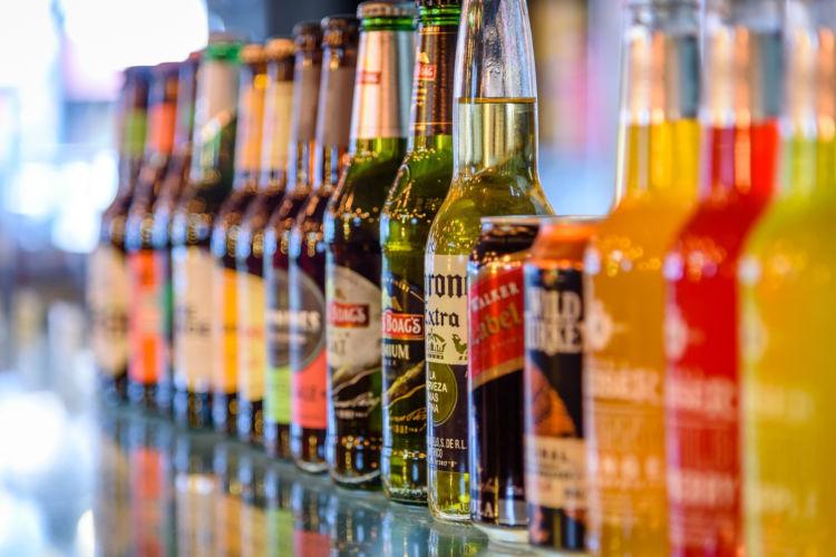 犬が誤飲すると中毒症状を引き起こす危険な「アルコール(お酒)」の種類