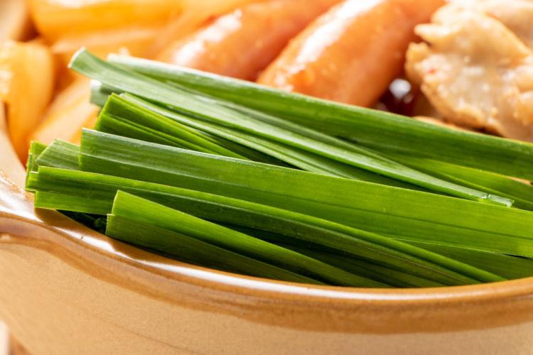 犬が食べると「危険なニラ」料理【12種類】