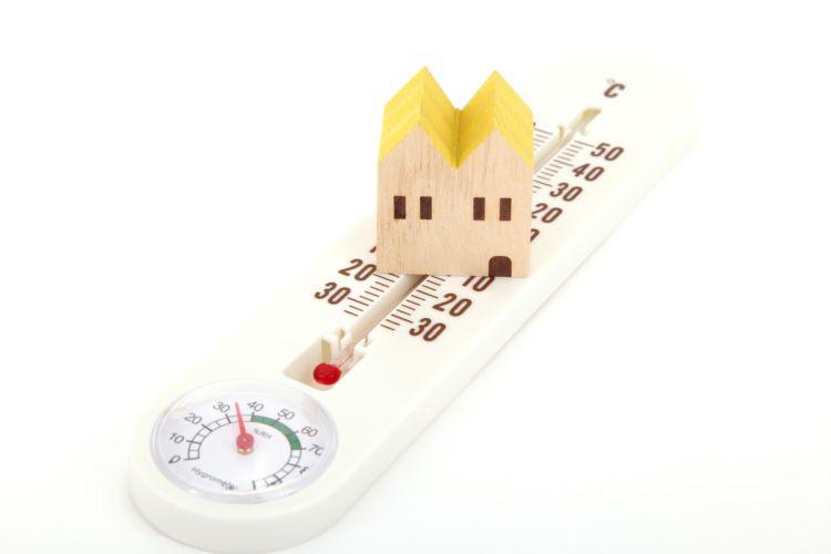 犬が熱中症になりやすい温度(何度から)や湿度、季節、場所(屋内・屋外)は?