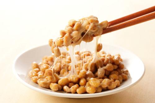 納豆のメリット① 「ナットウキナーゼ」脳循環の改善